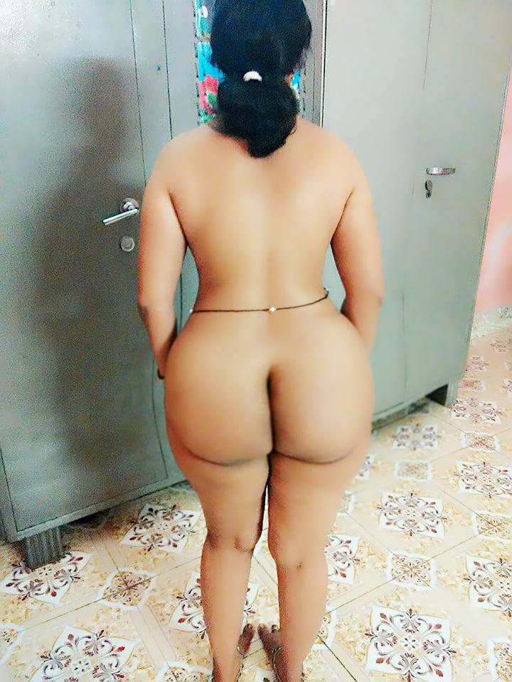 wide-hips-desi-girl-nude