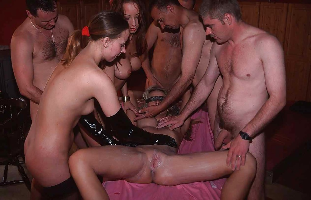 Swingers party photo — pic 14