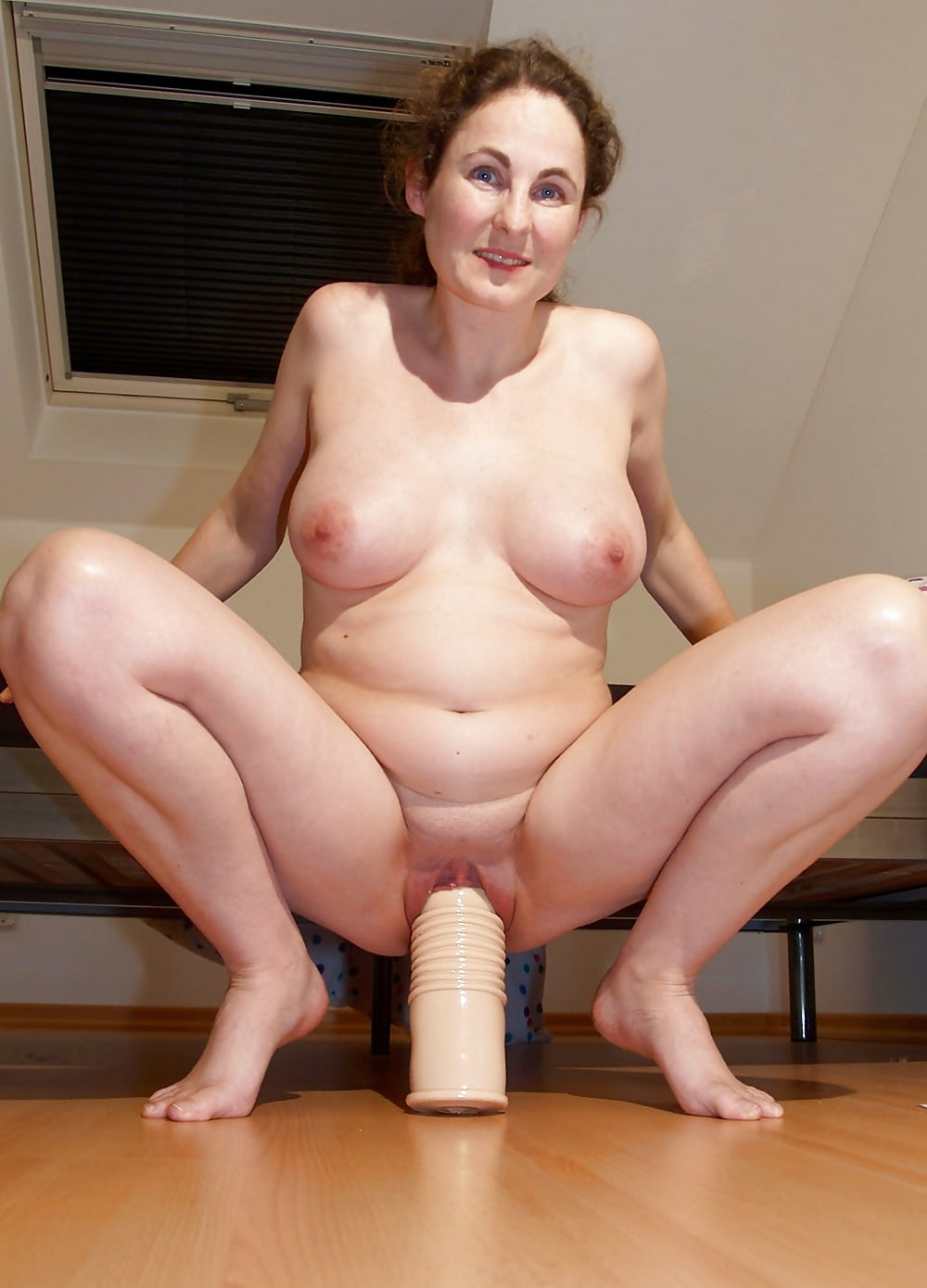 mature-hard-dildo-fat-nude-old-women-bangali