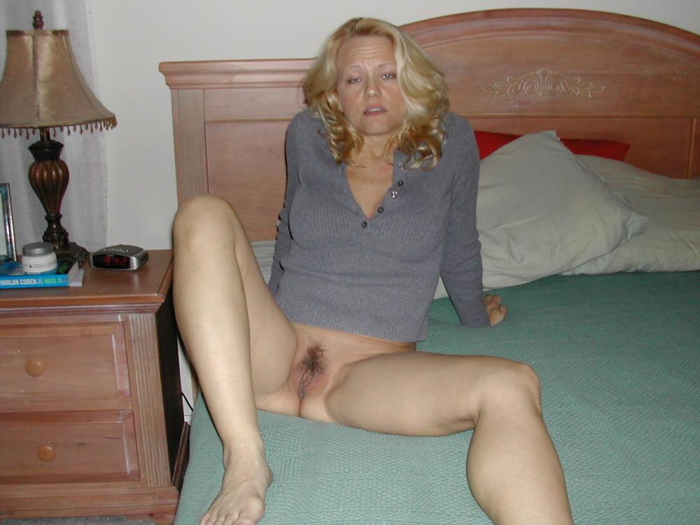 Hot Moms Spread Wide 294 - 52 Pics