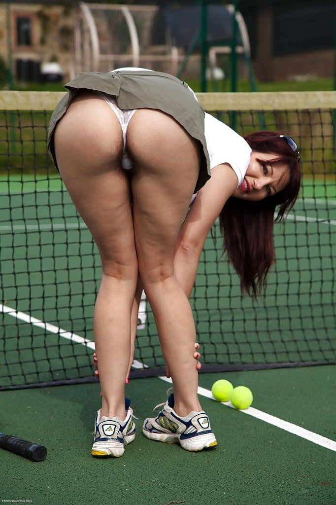 под юбкой теннис порно - 6