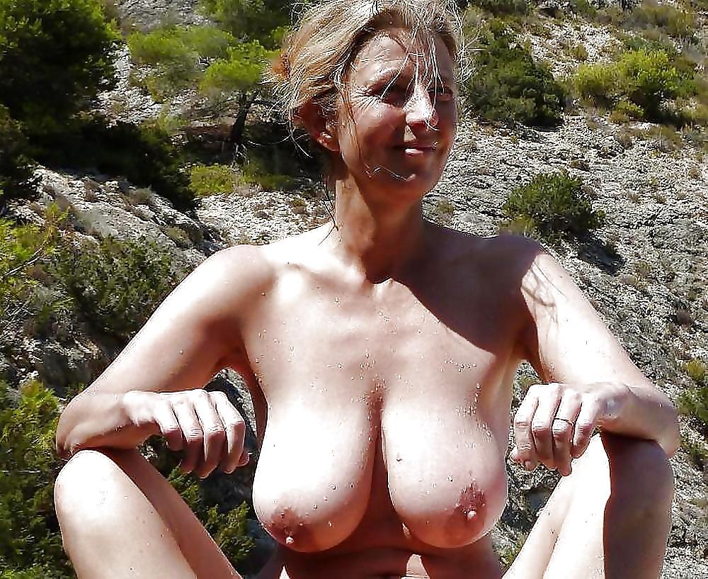 Hot Busty Mature Women Nude