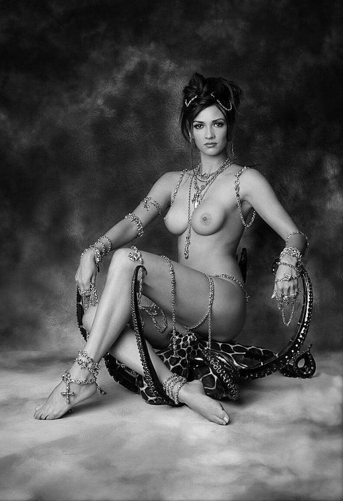 buddhist-nude
