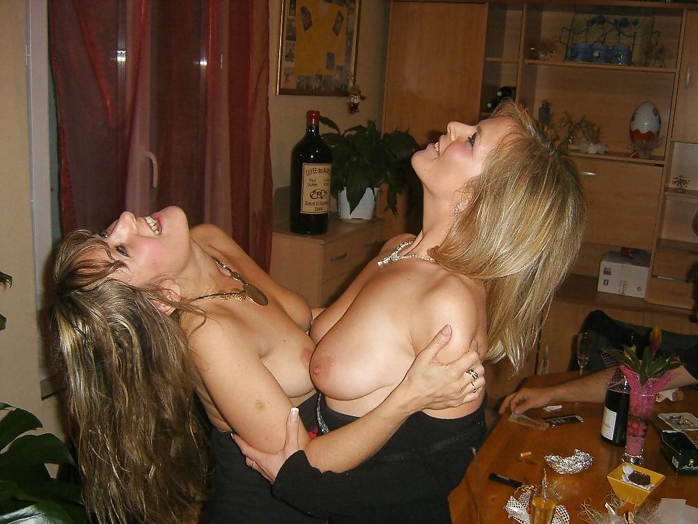 Манде фото похотливых жен и подруг молодых студенток