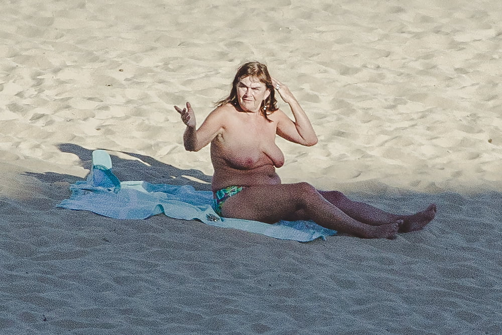 Naked old men on the beach-2164