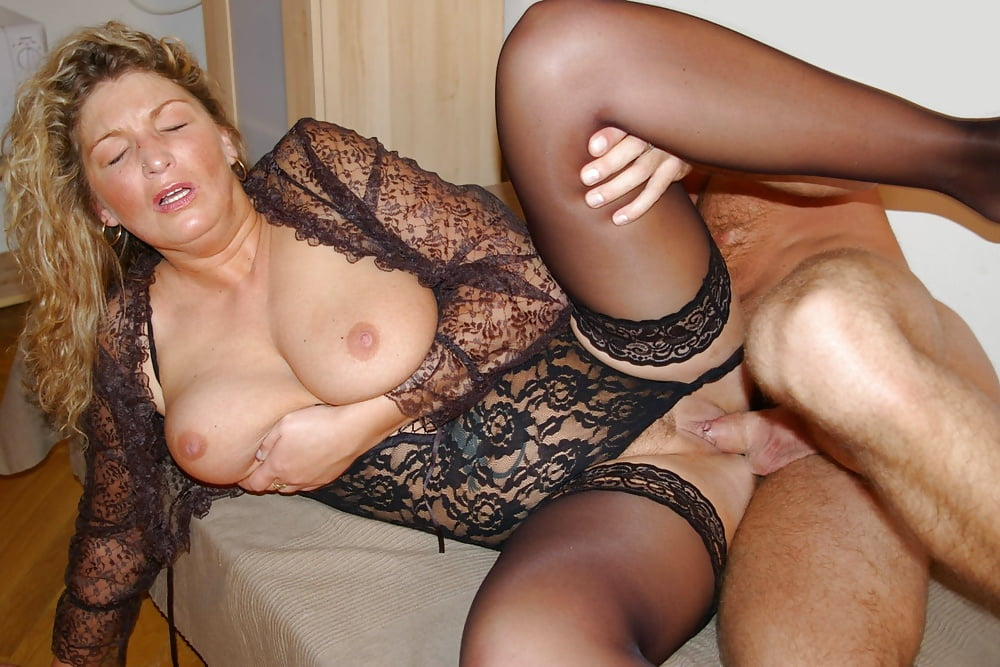 horny-slut-housewife-pics-with