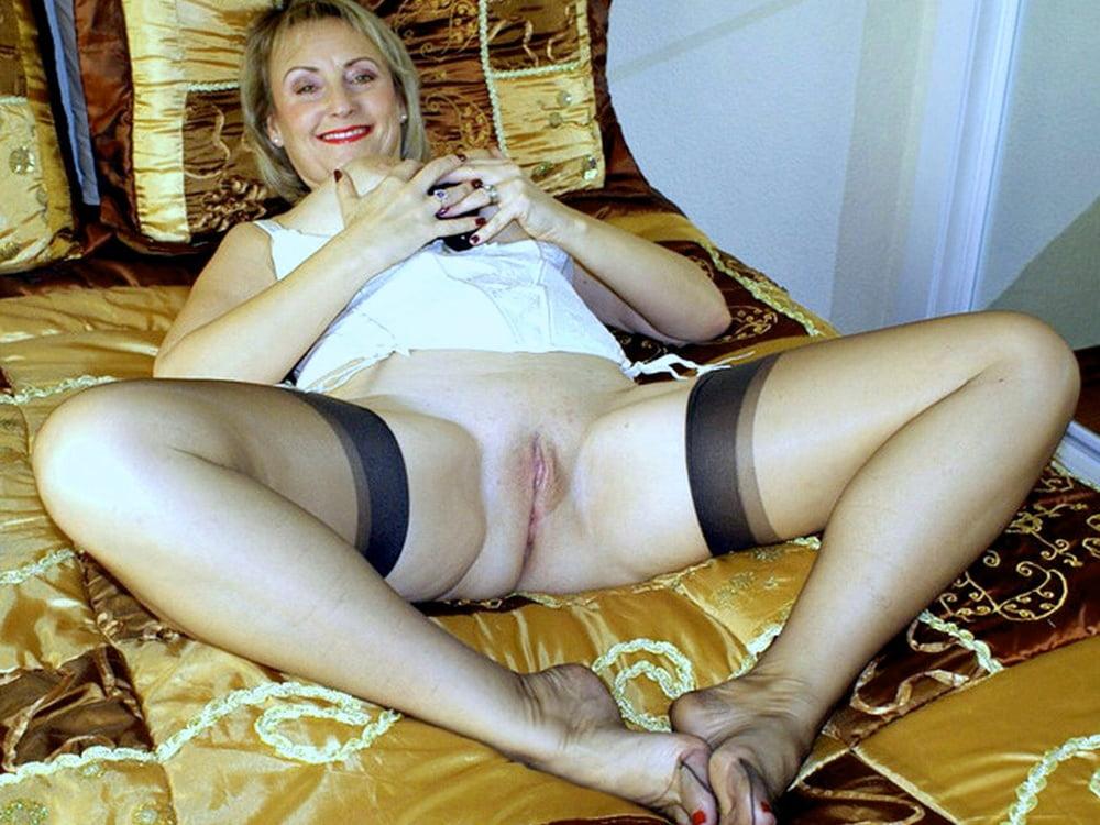 порно фото ножки в чулках пожилых - 11