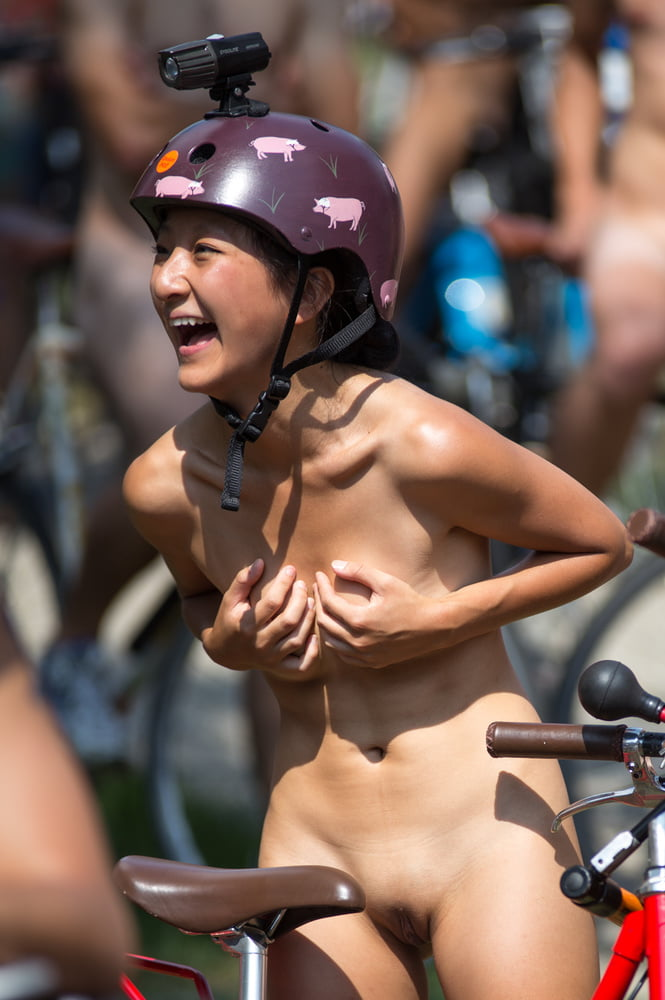 Amazing race naked
