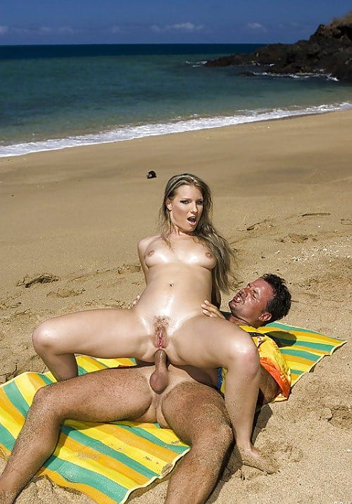 Real beach nude sex — photo 6