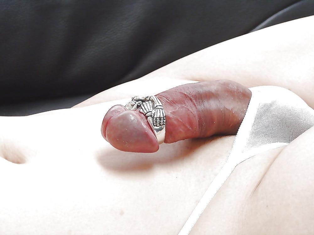 Jeweled peehole penis wand with cock ring lovegasm