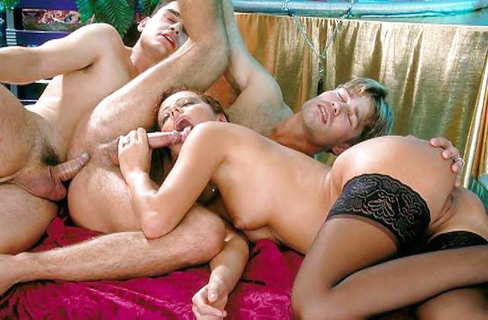 Зрелая и два бисексуала порно видео — 3