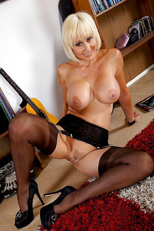 mature-tits-and-high-heels-gallery-mom-young-boy-sex