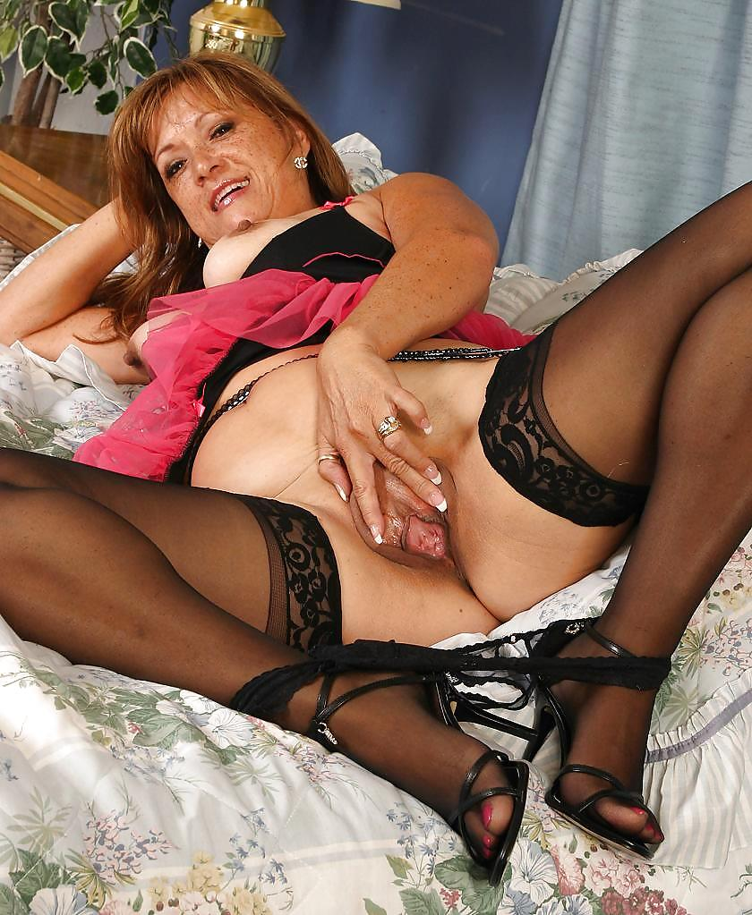 Top mom sex lingerie cindy
