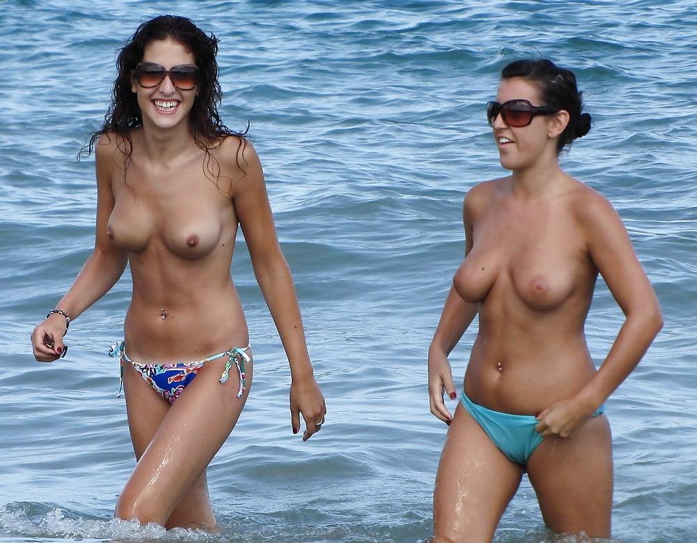 Sexy topless beach girls