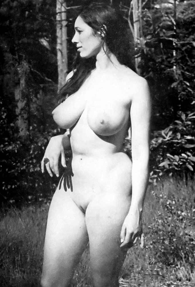 Retro Tits 77 - 10 Pics