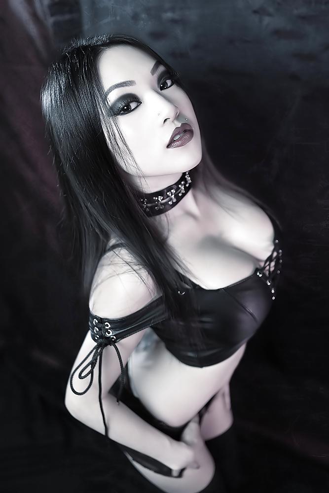 Naked metal chick image, indon naked women