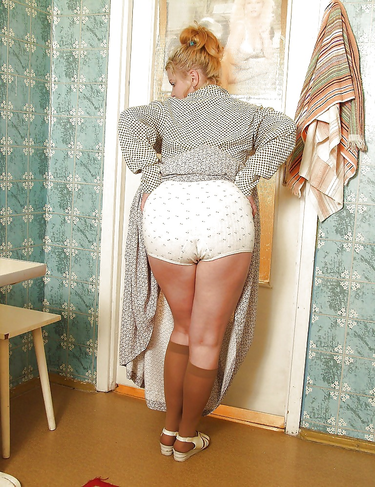 eroticheskoe-foto-zhenshin-golih-pantalonah-porno-russkih-studentov-v-banyah