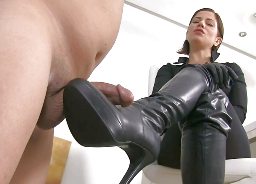 babes-in-boots-fucking-gif
