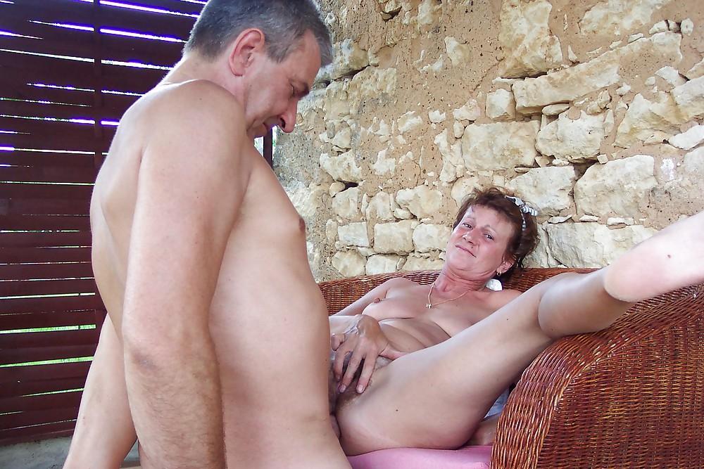 Lesben Bbc Outdoor Sexorgie