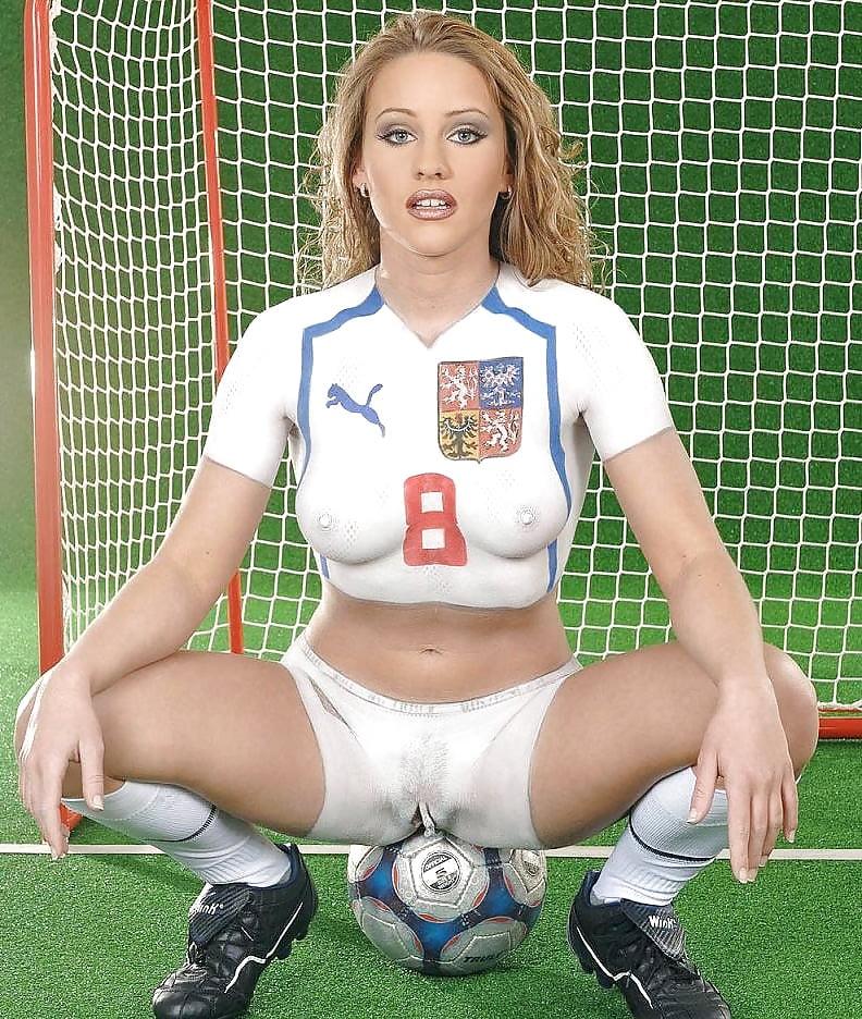 Порно фото жен футболистов