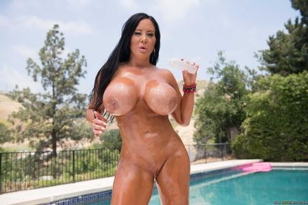mlf big boobs
