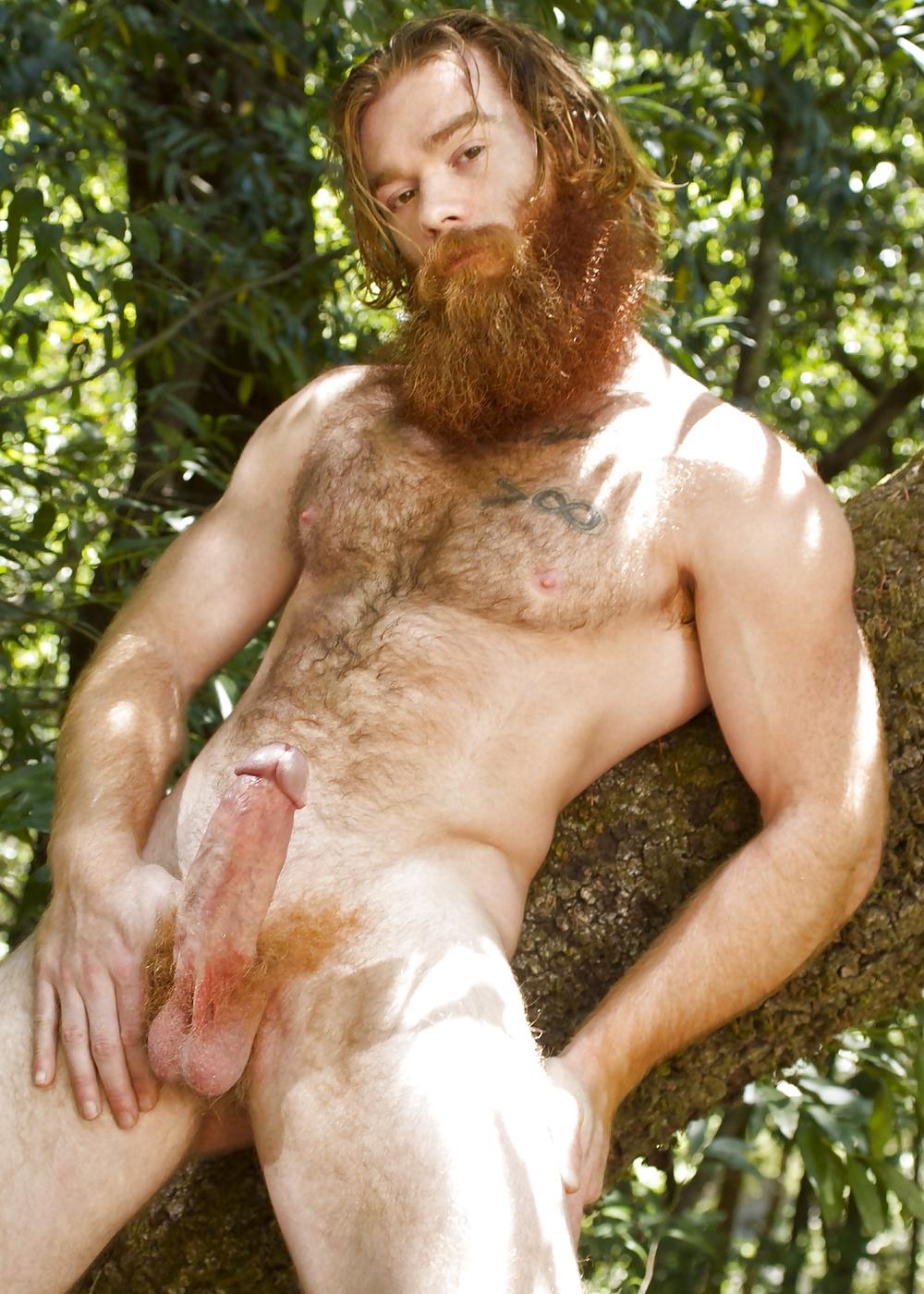 мужики с бородой порно маленькой грудью