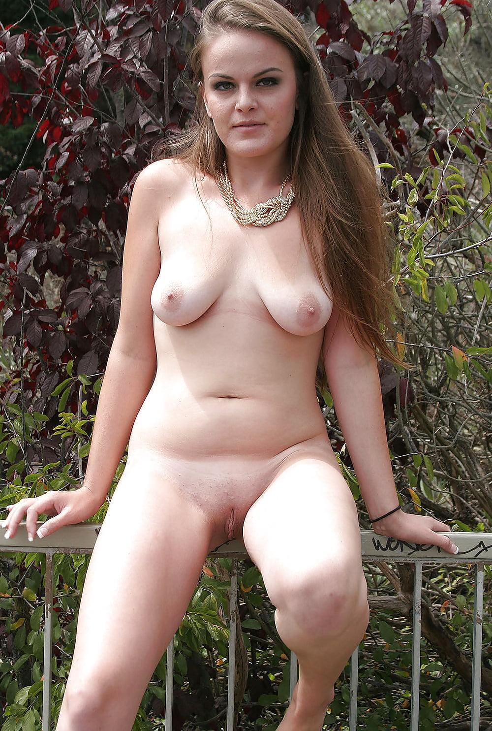 Older nude woman pics