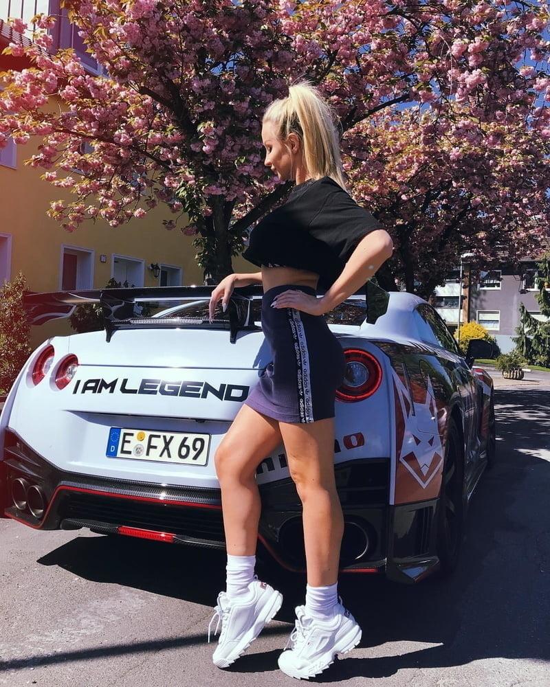 Car & Girls - 76 Pics