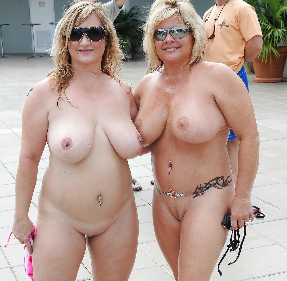 Толстые женщины голые на пляже