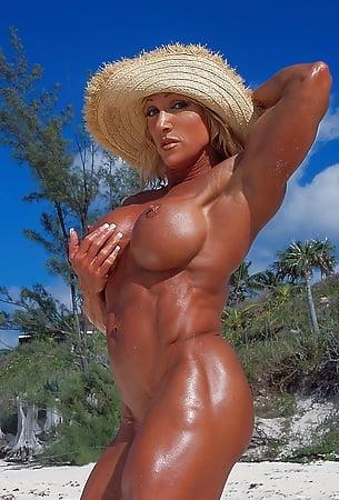 gallery muscle female Bikini