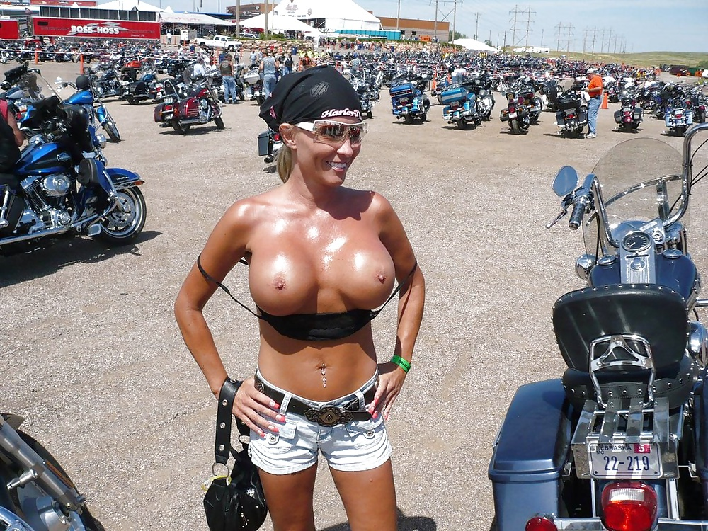 naked-girls-tity-n-motorcycle-your-moms-sweet-pussy