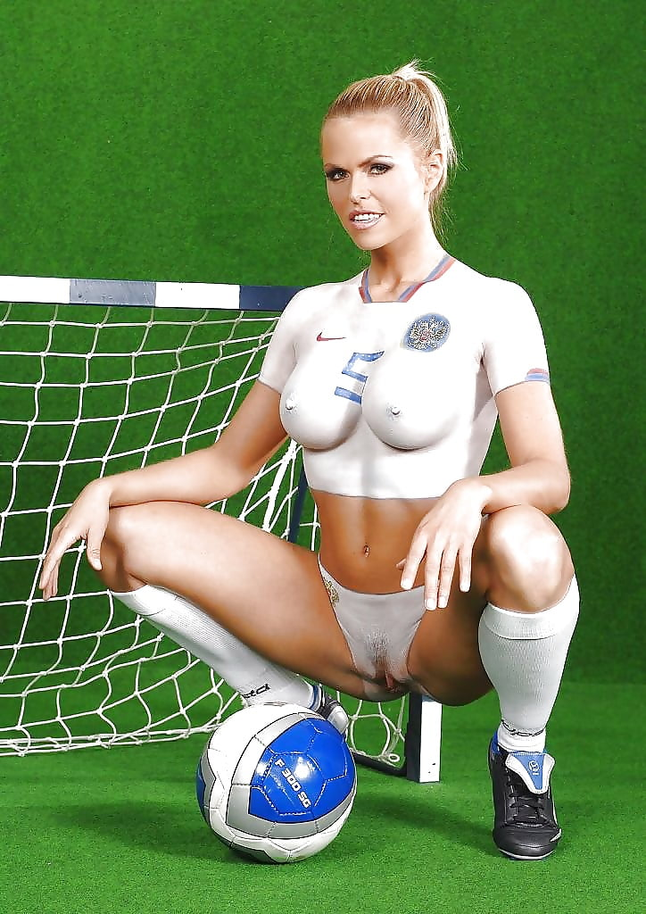 football-hotties-nude-blowjob