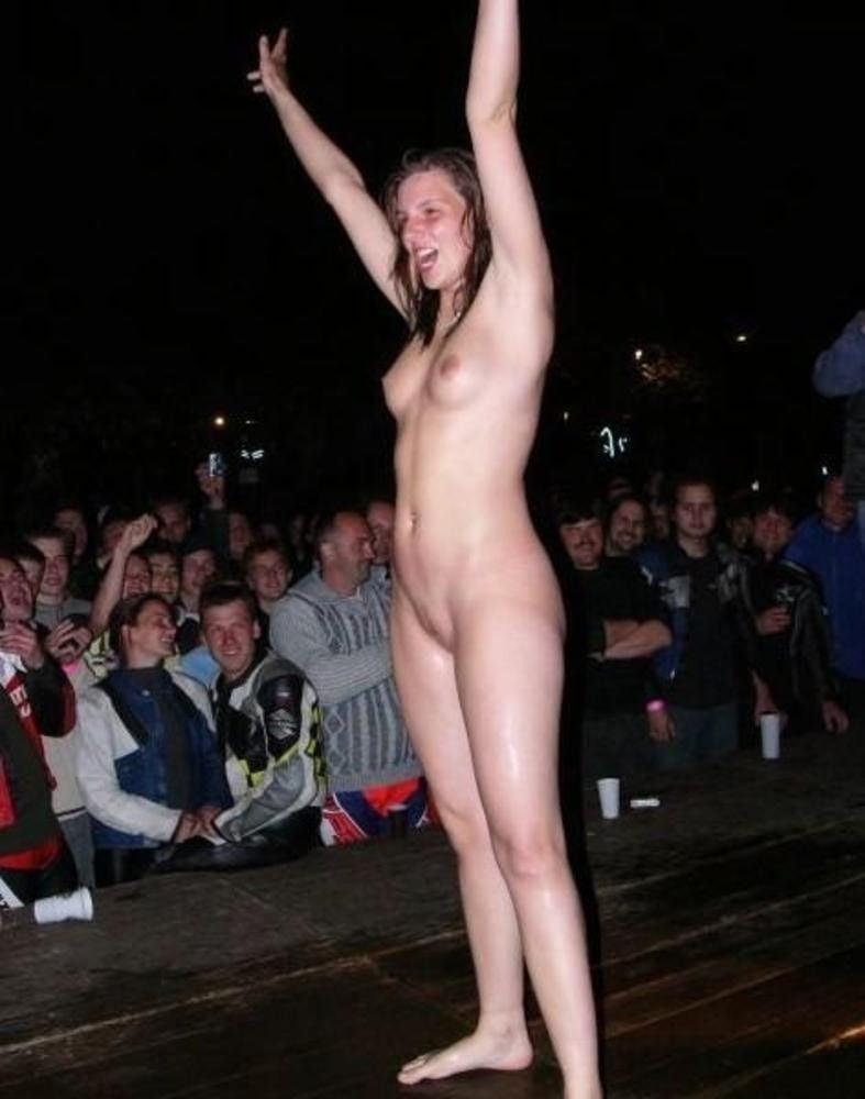 Caravan girls dare to bare all for naked calendar shoot