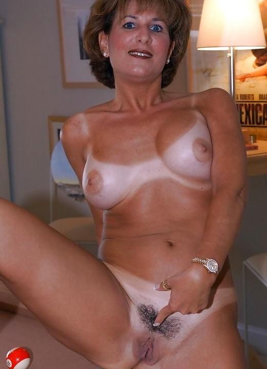 порно фото женщин в возрасте с короткой стрижкой кончил резиновую
