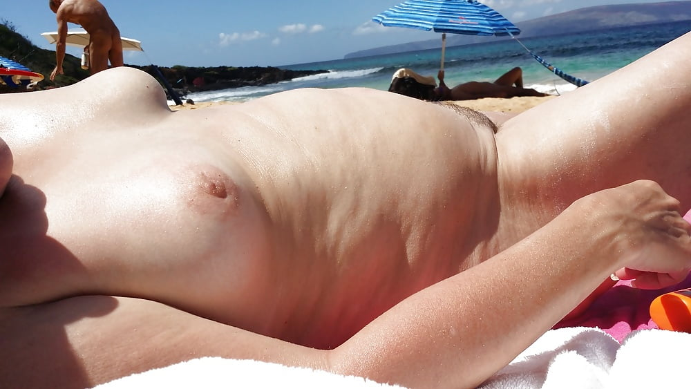 Amateur Yvonne On Vacation The First Nudebeach 1