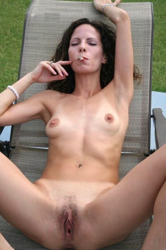 Milf pussy smoking — photo 7