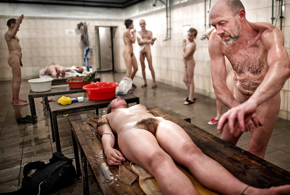 Порно в общей бане моются семьями вместе, индийская порно красивая молодая