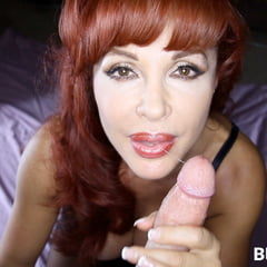 BrokenMILF Sexy Vanessa Uses All Her Skills To Get A Load