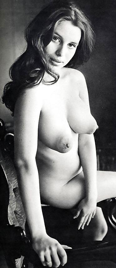 огромные стоячие груди ретро - 2