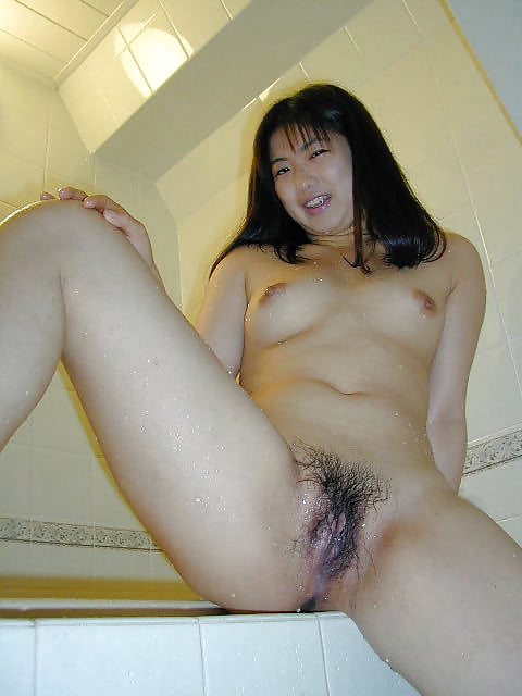 Japanese girl uses toy-7072
