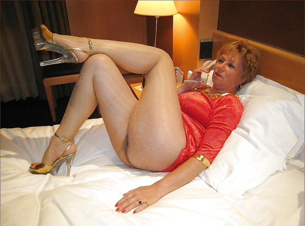 Maturesandpantyhose Com Mature Pantyhose Sex Check