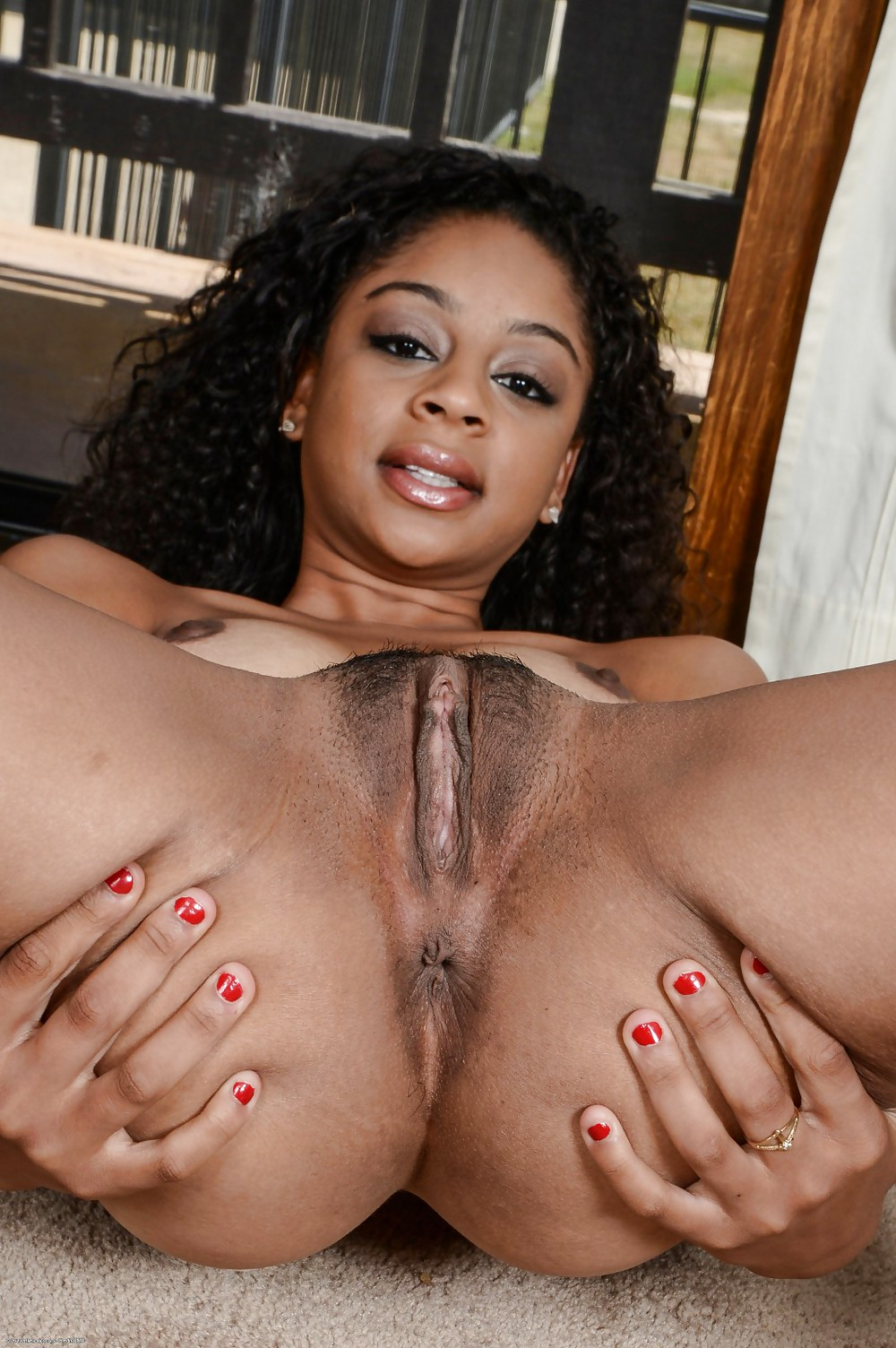 black-females-pussy-spread-ring-divas-nude