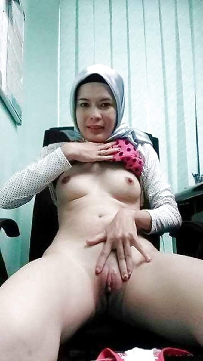 Nude ass in tudung, naruto fingers black girl