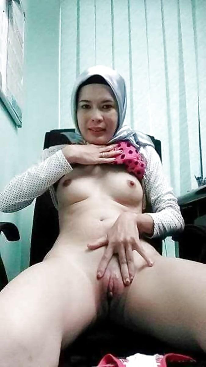 Pronhub muslim girl virgin pussy, toilet sex tube