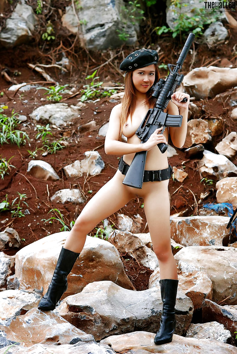 naked-sexy-army-girls-breast-implants-teen-naked