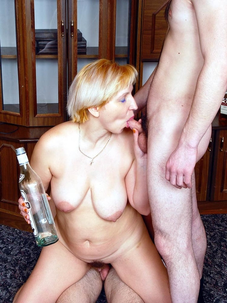 Drunk mature xxx thumbs free, princess clara girlfriend