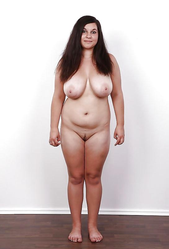 nude-chubby-female