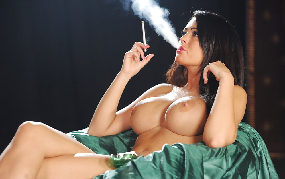 Naked girls smoking weed pics