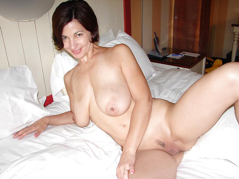 Milf Amateur Nude Wives