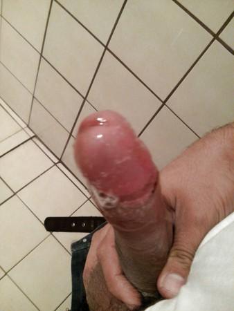 mi verga muy huneda y erecta